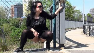 Pee Video Black Magic
