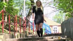 Blonde on Steps screen cap #3