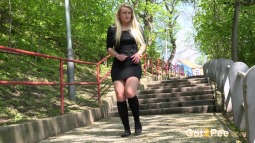 Blonde on Steps screen cap #5