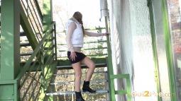 Crouching Steps screen cap #5