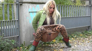 Pee Video Leopard Print Leggings