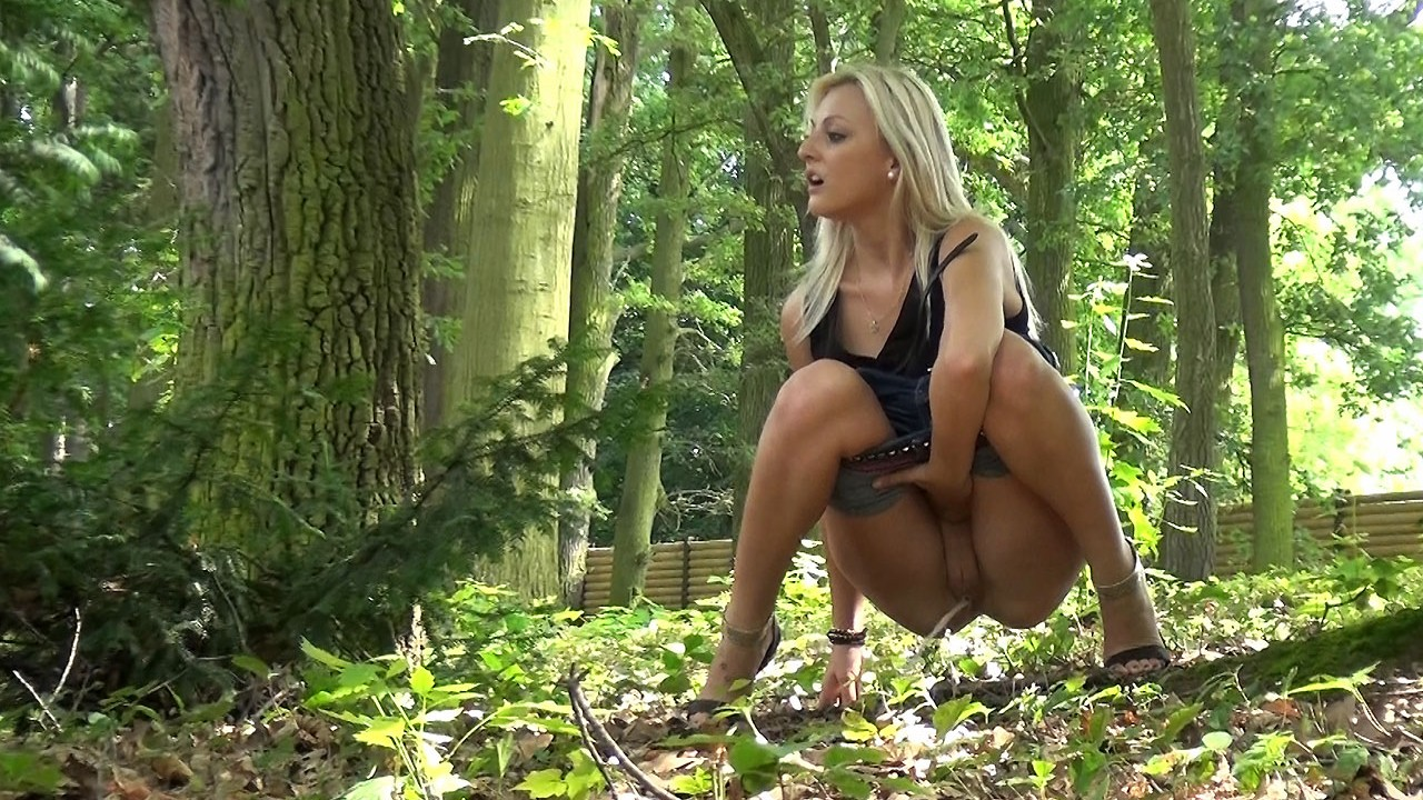 Girls squatting to piss outdoors