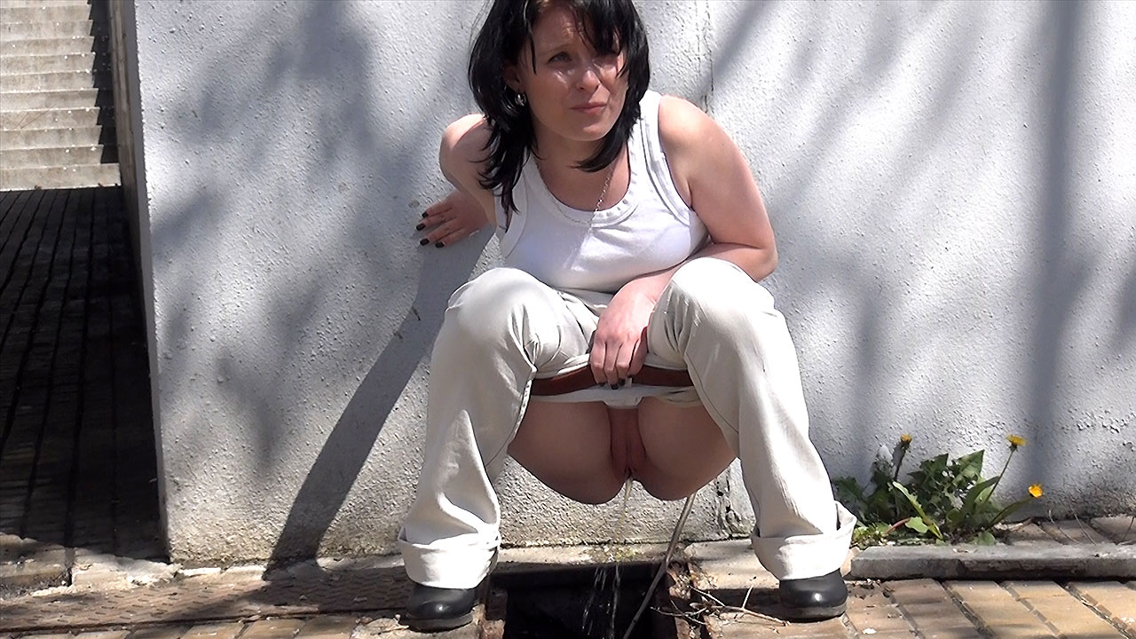 Outdoor Pissing Movies 61