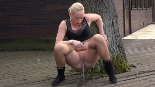 Pee Video Thick Thighs