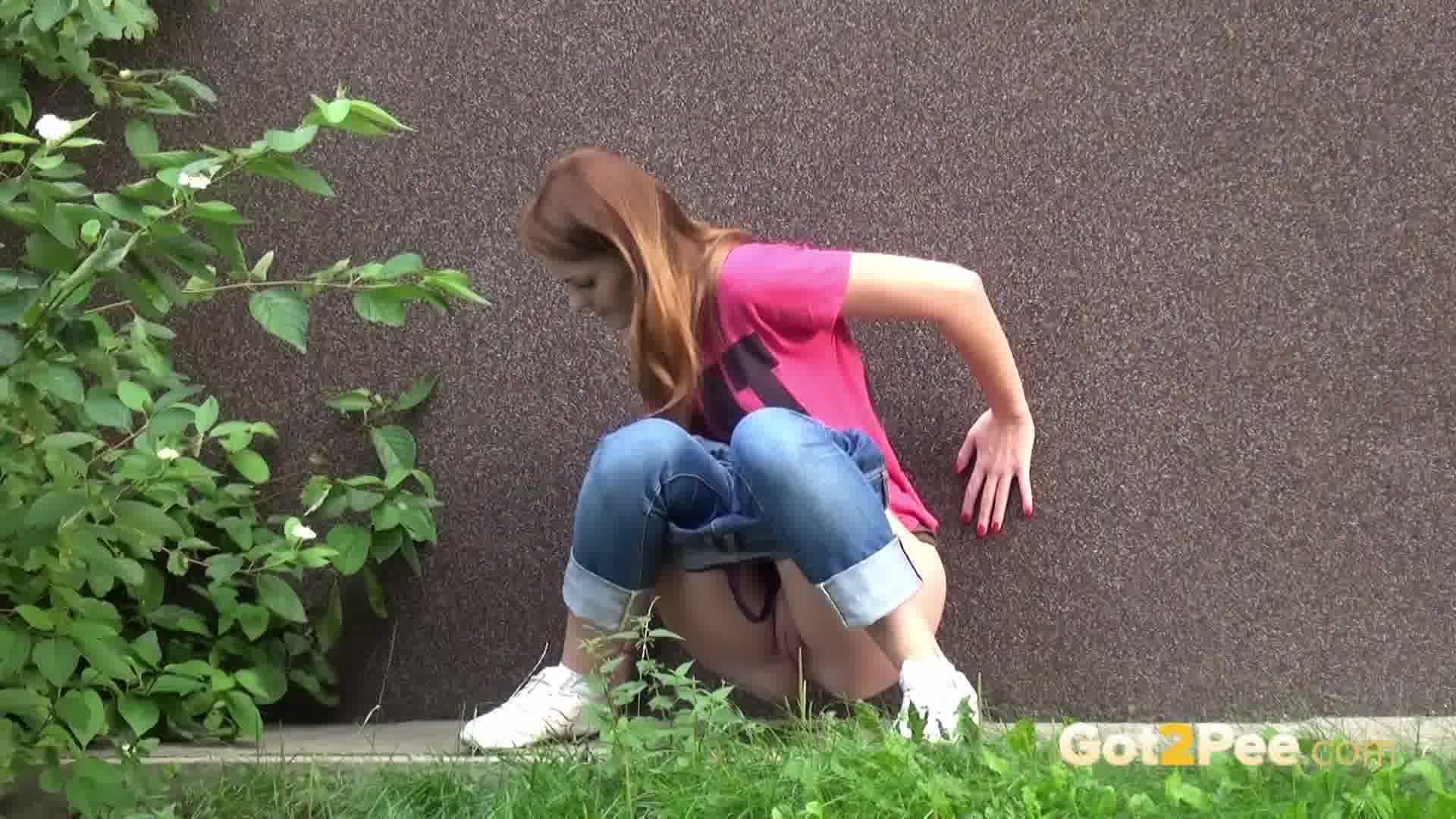 Ссытся в штаны, Описалась В Джинсы biqle Видео 23 фотография