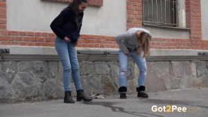 Preview Got 2 Pee - City Pissing For Besties