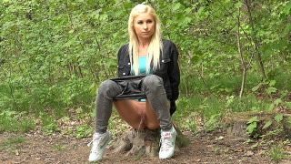 Pee Video Blonde In The Woods