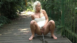 Pee Video Blonde on the Bridge