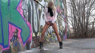 Pee Video Claudia In The City