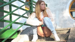 Pee Video Desperate in Denim