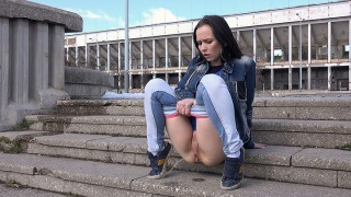 Pee Video Desperate on the Steps