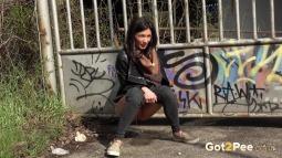 Grafitti Peeing screen cap #13