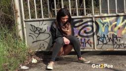 Grafitti Peeing screen cap #16