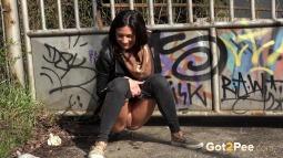 Grafitti Peeing screen cap #7