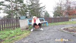 Gushing In The Park screen cap #4