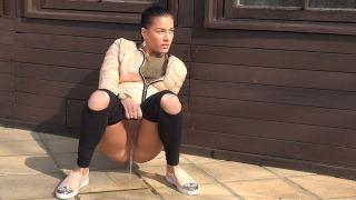 Pee Video Open Knee Leggings