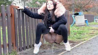 Pee Video Public In The Park
