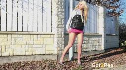 Sunshine Blonde screen cap #19