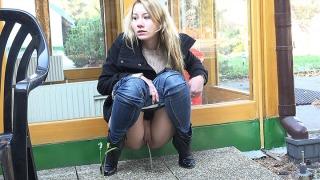 Pee Video Winter Squat
